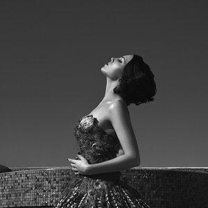 Imagem de 'Skylar Grey'