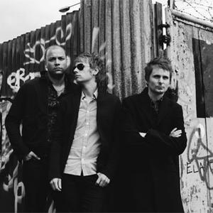Starlight - Muse - Testo & Lyrics height=