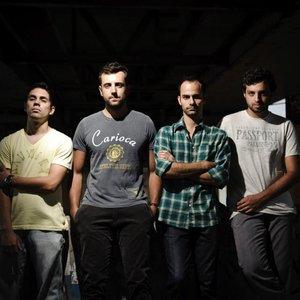 Image for 'Quarto Fechado'