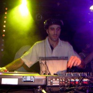 Image for 'dj wizzla'