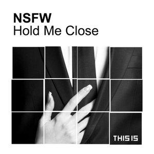 Imagem de 'Hold Me Close'