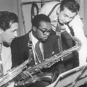 """""""James Moody Quintet""""的封面"""