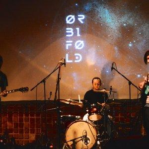 Bild för 'Orbifold'