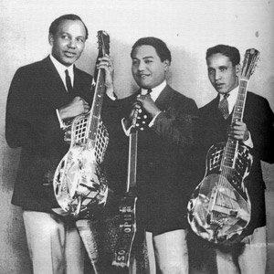 Bild für 'Sol Hoopii Trio'