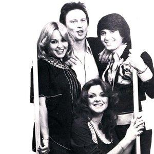 Bild für 'Pascalis, Marianna, Robert & Bessy'