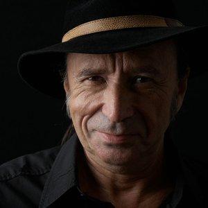 Bild för 'Claude Desarzens'