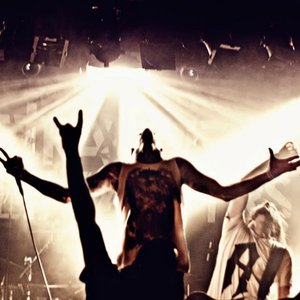 Image pour 'Betraying the Martyrs'