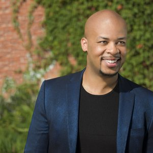 Image for 'James Fortune'