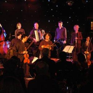 Bild för 'The Raga Dolls Salon Orchestra'