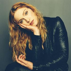 Madonna Hung Up Testi e Lyrics