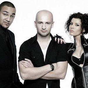 Imagem de 'Sasha Lopez feat. Broono & Ale Blake'