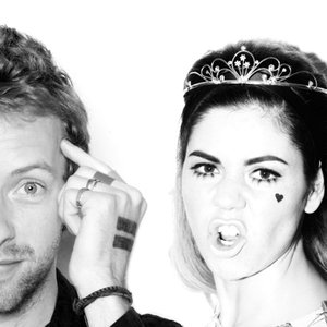 Imagem de 'Marina & The Diamonds ft. Coldplay'