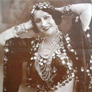 Bild för 'Badia Massabni And Her Orchestra'