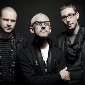 Image pour 'Above & Beyond'