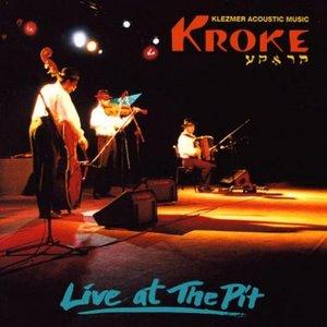 """""""Live at the Pit""""的封面"""