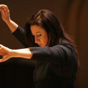 Image for 'Simone Young'