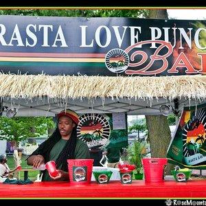 Imagen de 'rasta love punch'