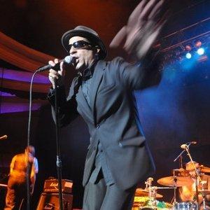 Bild för 'WAX (the band)'