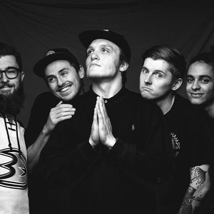 Immagine per 'Neck Deep'