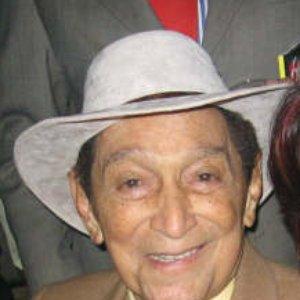 Bild für 'Rafael Escalona'