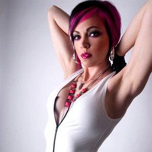 Image for 'Dani Deahl'