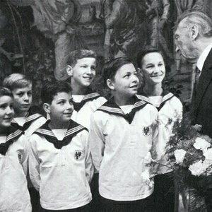 Image for 'Wiener Sängerknaben'