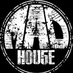 Image pour 'MAD. house'