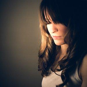 Bild für 'Olivia Broadfield'