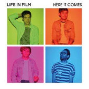 Imagem de 'Here It Comes'