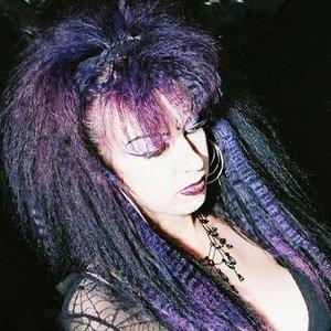 Bild för 'Scary Lady Sarah'