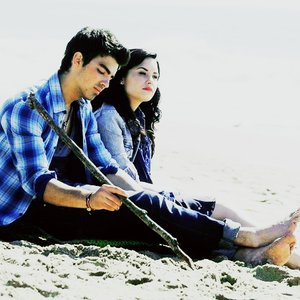 Image for 'Demi Lovato & Joe Jonas'