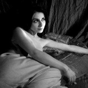 Bild für 'Julie Zenatti'