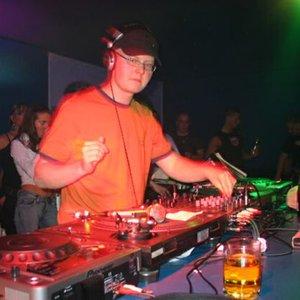 Image for 'Q-Bass & DJ Brush'
