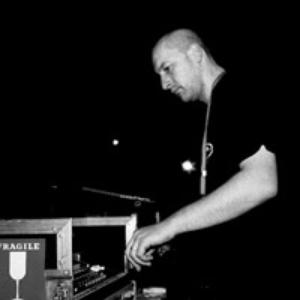 DJ Company Vs FM Factory - Mrazík (Remix 2001)