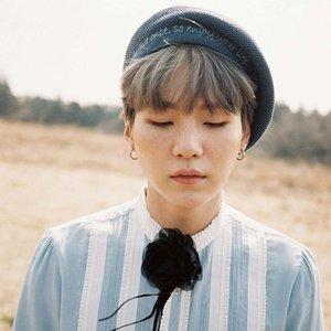 Bild för '민윤기'