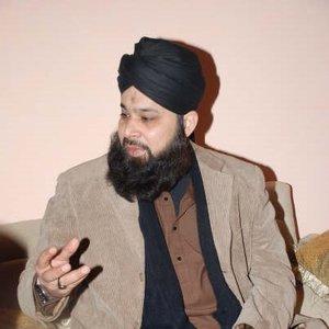 """""""Alhaj M. Owais Raza Qadri""""的封面"""