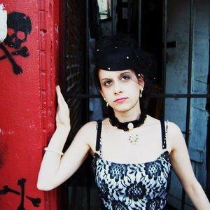 Imagem de 'Julieanne Dous'