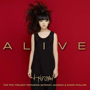 Imagen de 'Alive'