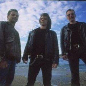 Bild für 'The Invisible Surfers'