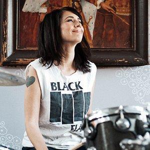Image pour 'Julie Ruin'