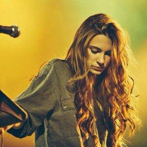 Bild für 'Sara Renar'