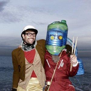 Immagine per 'El Robot Bajo El Agua'