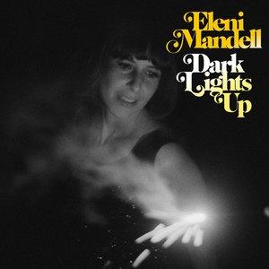 Imagen de 'Dark Lights Up'