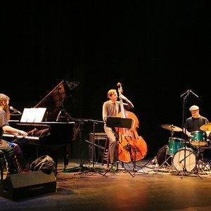Imagem de 'Jamie Saft Trio'