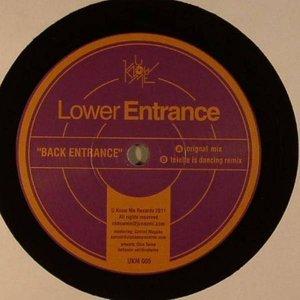 Imagem de 'Back Entrance'