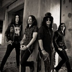 Image for 'Slash feat. Myles Kennedy and The Conspirators'