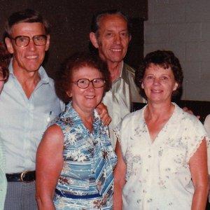 Imagem de 'Family Bible Reading Fellowship'