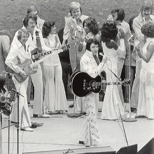 Immagine per 'Elvis Presley with The Sweet Inspirations'