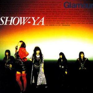 """Glamour""的封面"