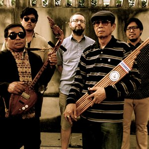 Image for 'The Paradise Bangkok Molam International Band'